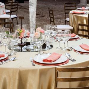 mantel-dorado-mantel-flamingo-y-silla-forja-bronce-1024x426
