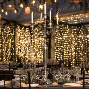 cortina iluminacion y candelabro